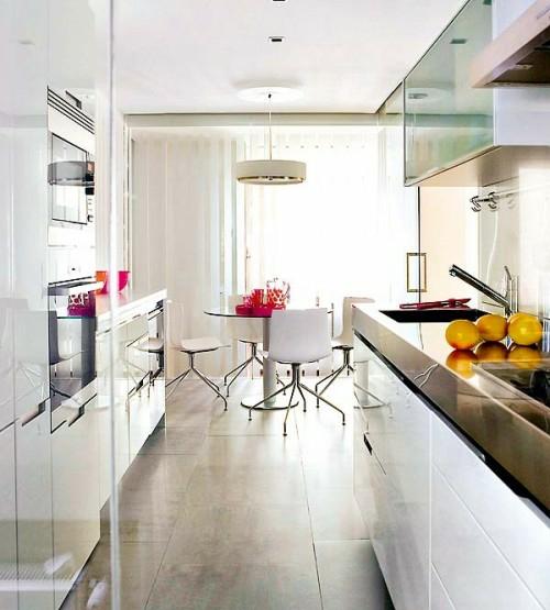 elegant kleine küche design idee weiß glänzend