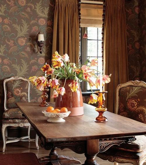 französischen landhausstil großartig dunkle wände florale verzierungen