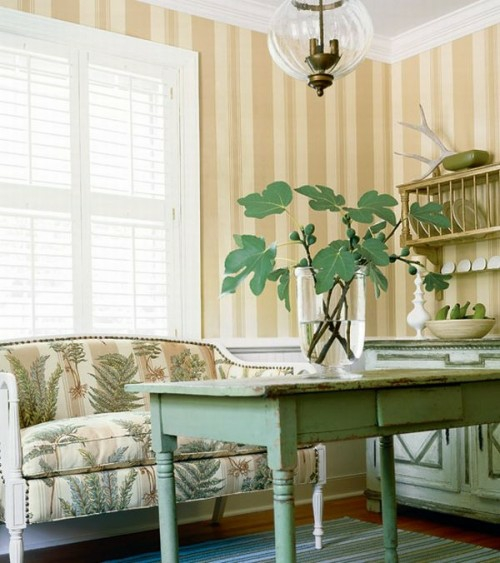 Interieur Ideen im französischen Landhausstil idee bequem designer sofa holztisch grün