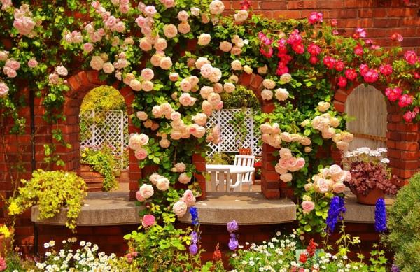 garten ideen gartengestaltung rosen kletterpflanzen sommerblumen arkaden