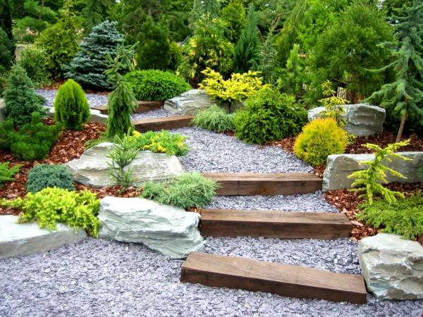 gartengestaltung treppe kieselsteine nadelbäume steine