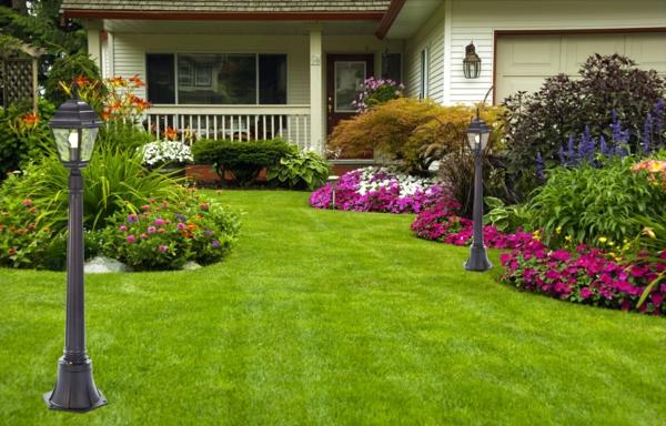 gartenideen gartenblumen grünes gras rasen vorgarten