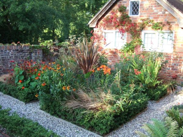 gartenideen quadraten kiessteine gartenblumen sommerpflanzen gehwege anlegen
