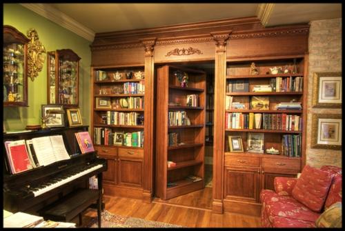 geheimtür holz glänzend oberfläche lackiert piano spielen