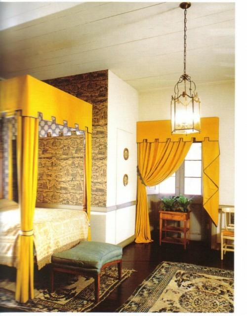gelbe baldachine himmelbett teppiche verzierungen elemente