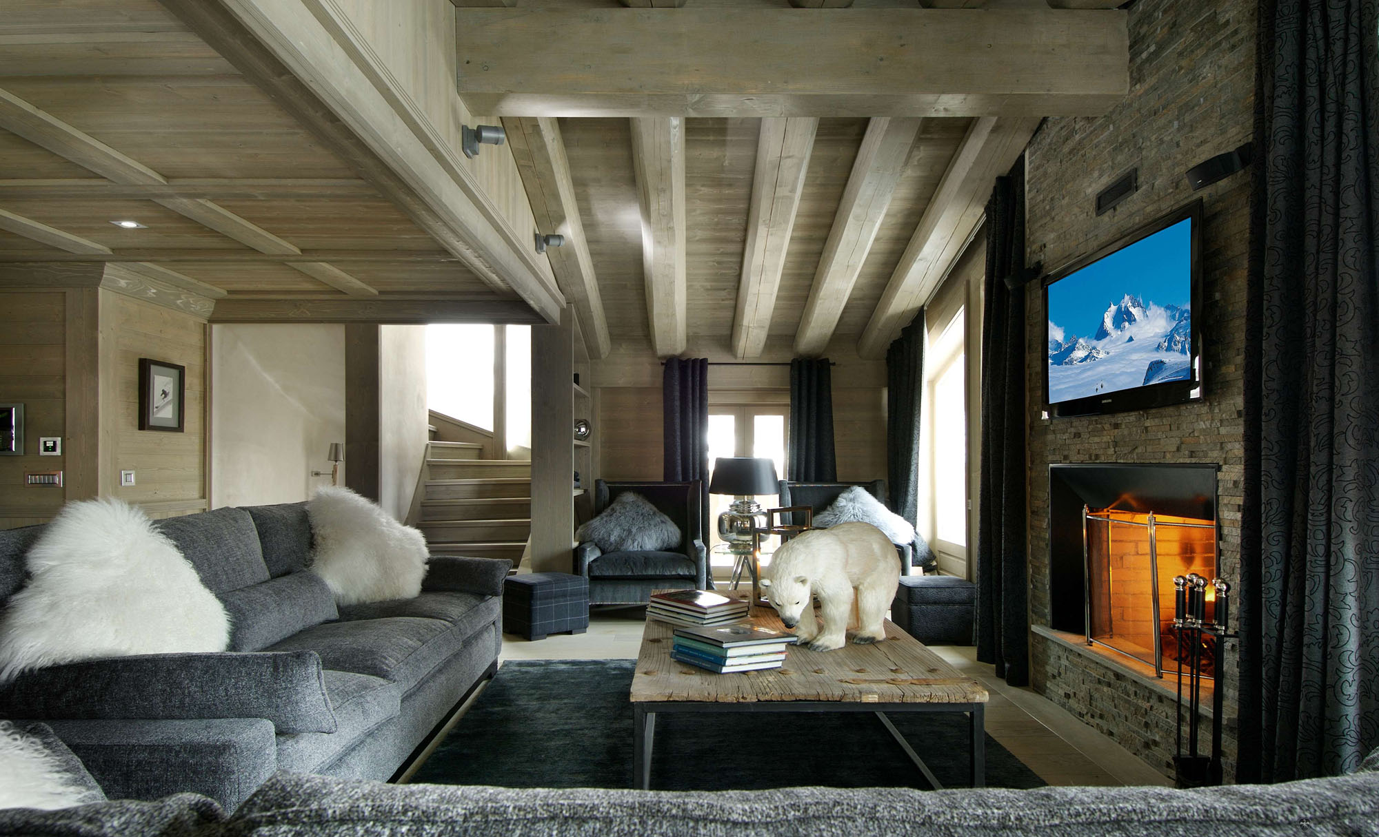 wohnzimmer design bilder:Black Pearl Chalet Interiors