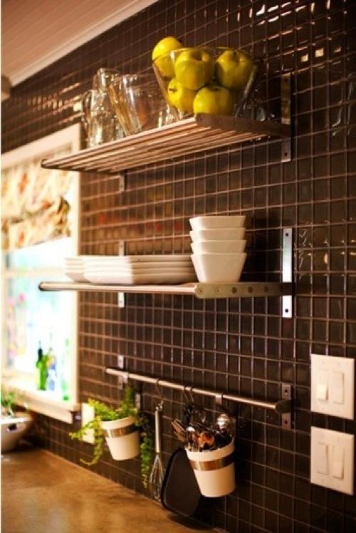 glänzende dunkle keramische küchenspiegel designs küchenregale glas