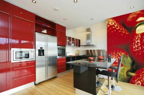 glanzvoll küchenschränke rot tapeten thematisch erdbeere holz bodenbelag
