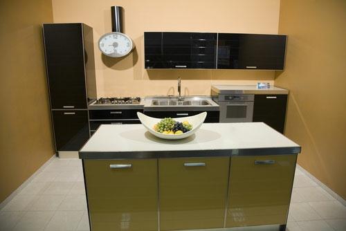 glanzvoll oberfläche grasgrün schwarz weiß originell modern Ihre kleine Küche