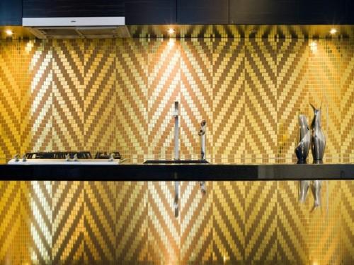 gold glänzend küchenspiegel idee design