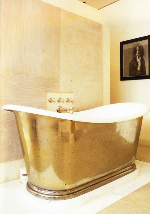 goldene badewanne lackiert fliesenspiegel design idee