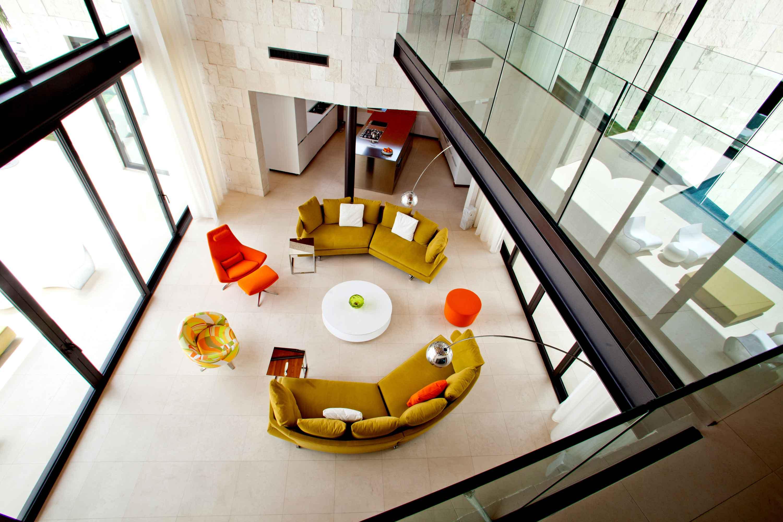 grasgruene orange moebel modern einrichtung wohnzimmer