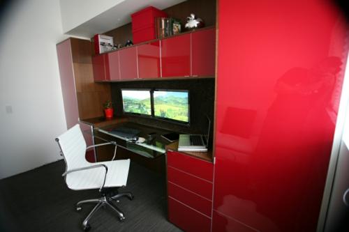 hochmodern eingerichtet oberfläche eingebaute schränke weißer stuhl idee