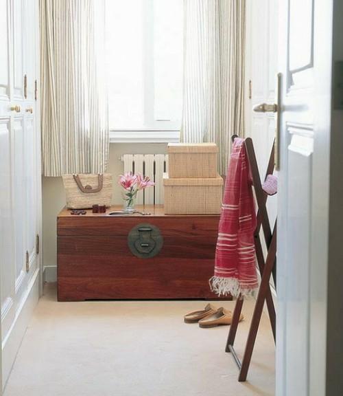 15 originelle und extravagante ideen f r innendekoration mit truhen. Black Bedroom Furniture Sets. Home Design Ideas