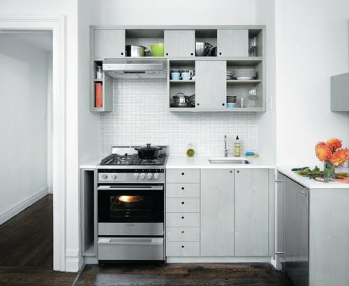 küchen design weiß klein kompakt schmal originell praktisch funktional