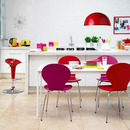 küchen interieurs grell farben idee originell design plastich stühle