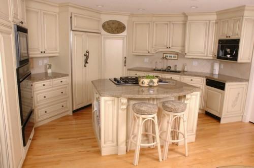 kücheninsel idee helle holzmöbelstücke bodenbelag kompakt französisch landhausstil