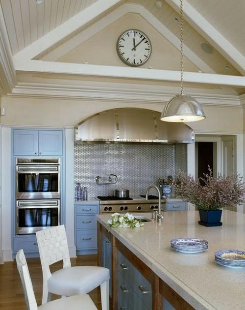 küchenspiegel-effektive-attraktiv-küche-blau-weiß