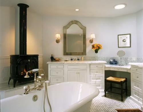 kaminofen-schwarz-glanzvoll-badewanne-idee