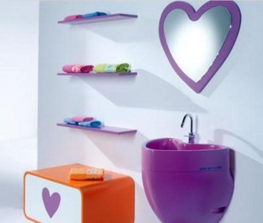 kinder badezimmer interieuers wandregale tücher