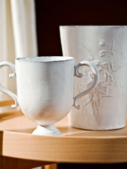 klassisch keramik becher wohnzimmer design voller farbkontraste
