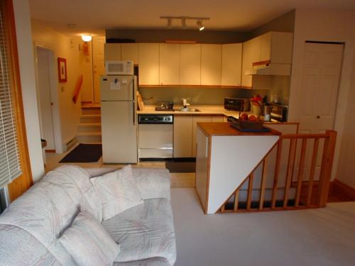 Ihre kleine Küche farbe wohnbereich arbeitsplatte küchenblock