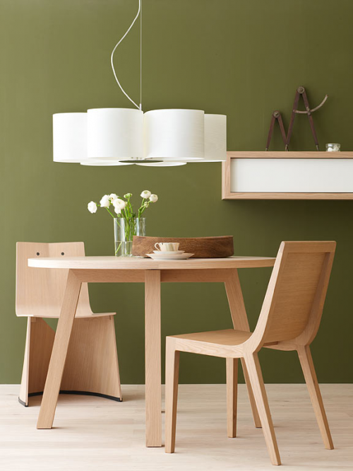 kombination grasgrün wand hängelampe papier esstisch stühle