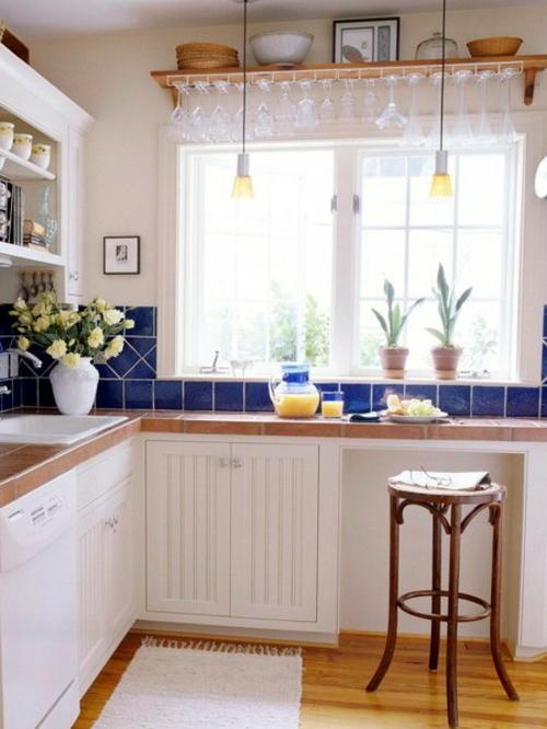 kompakte fr hst ckstische in der k che 10 praktische interieur ideen. Black Bedroom Furniture Sets. Home Design Ideas