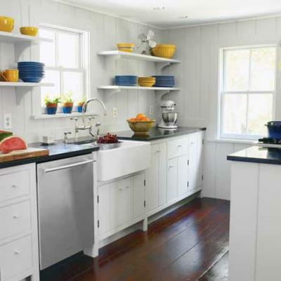 kompakt schmal küchen design weiß regale geschirr bunt