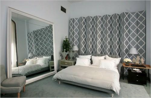 kopfteil im schlafzimmer trennwand paravent verzierungen grau
