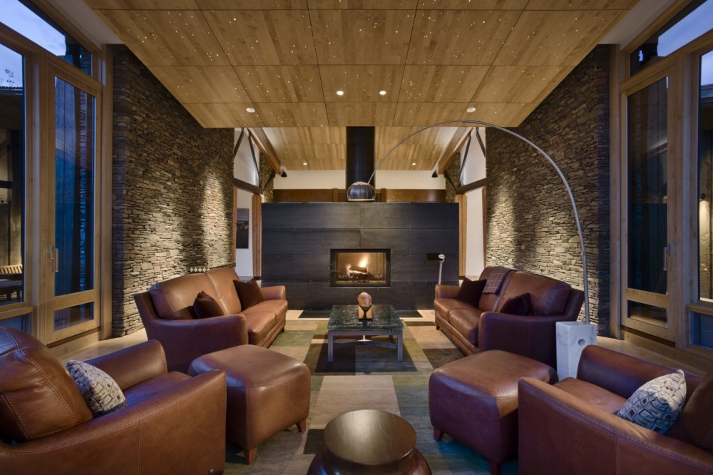 luxus wohnzimmer ideen:Living Room with Stone Fireplace