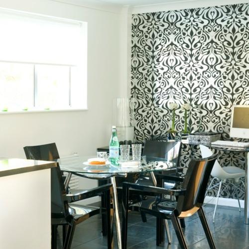 luxus stil schwarz plastik stühle tapeten küche glastisch design