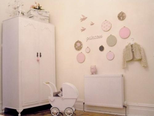 mädchen schlafzimmer im shabby chic stilpastellfarbige deko