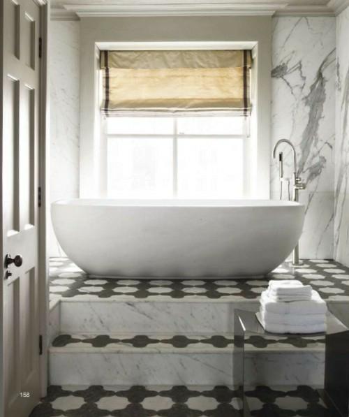 moderne badezimmerboden ideen badewanne postament