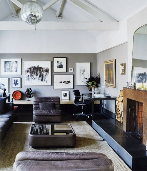 modernes Interieur mit Discokugeln idee ledermöbel