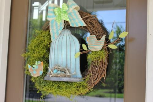 Thematischer Mooskranz zu Ostern grün frisch ostern dekoration