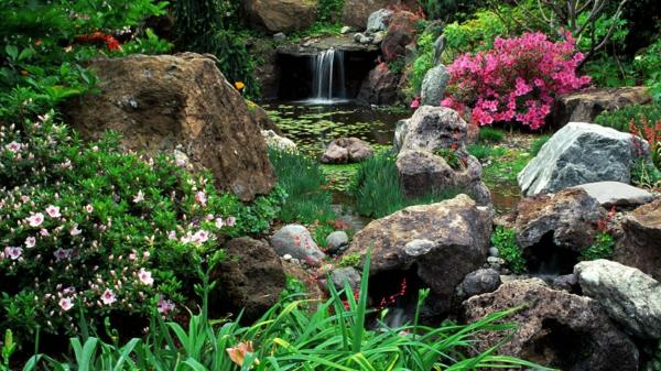 natursteine gartenteich wasserpflanzen wasserfall