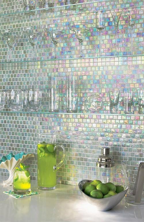 neon küchenspiegel extravagant gläser idee stilvoll