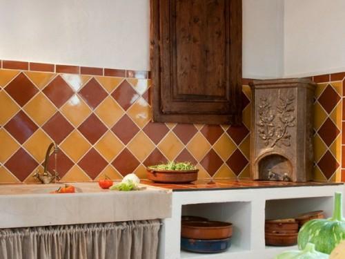 orange rot fliesen küchenspiegel spülbecken küche frankreich stil