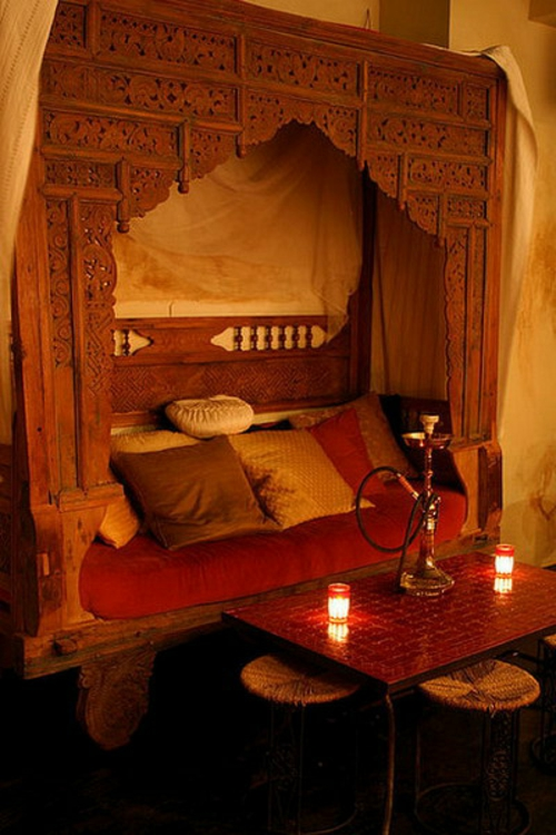 22 marokkanische wohnzimmer deko ideen einrichtungsstil aus dem orient. Black Bedroom Furniture Sets. Home Design Ideas