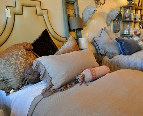 22 wundersch ne ideen f r stilvolles bett design mit kopfteil. Black Bedroom Furniture Sets. Home Design Ideas