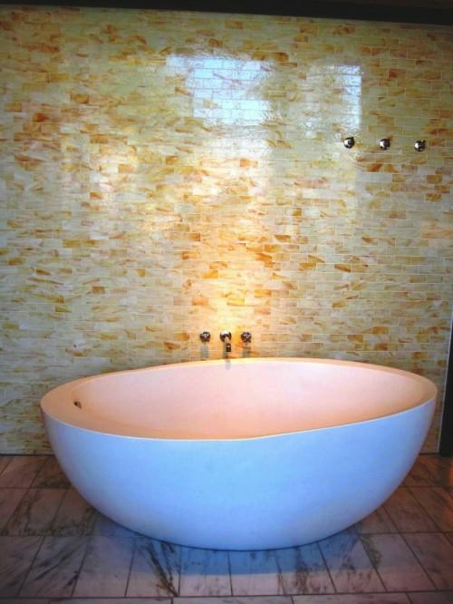 originell fliesenspiegel badewanne interessant weiß farbe