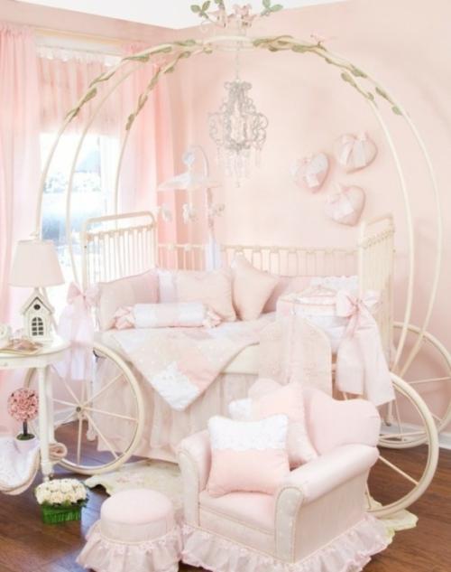 Kutschenbett im kinderzimmer 14 coole ideen f r schicke for Kinderzimmer cinderella