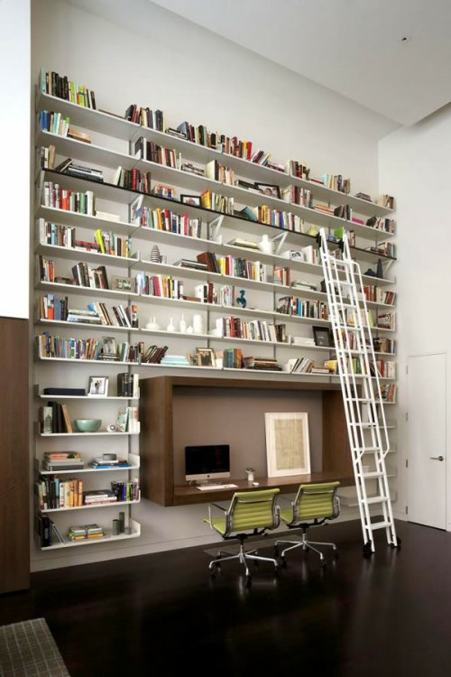 perfekte einrichtung der bibliothek zimmerdecke hoch wandregale eingebaut leiter