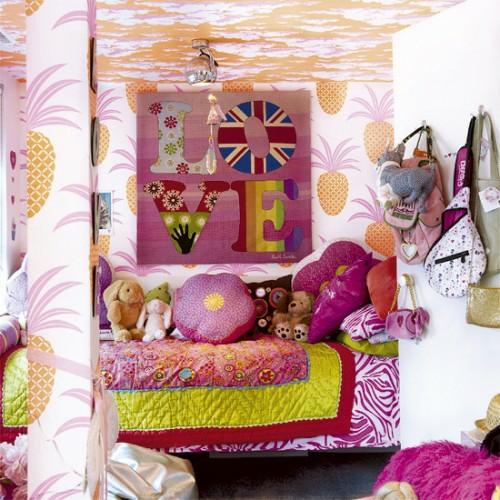 schrille Pop-Art Wanddeko Ideen bunt farbenfroh texturen florale verzierungen
