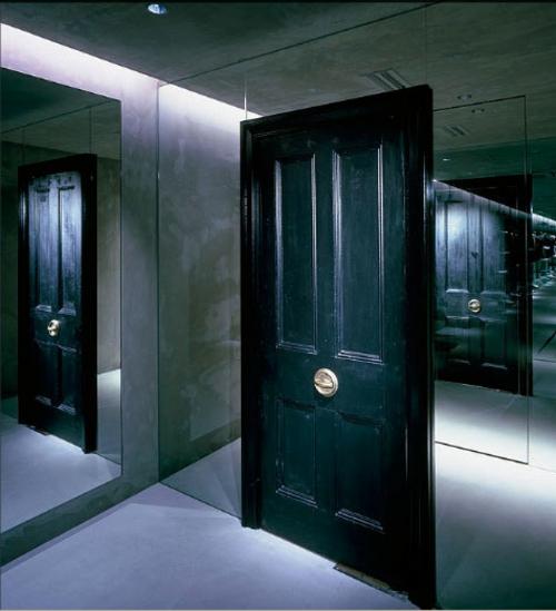 Schwarz Weiß Vorhänge In Einem Modernen Interieur 21: Praktische Schwarze Innentüren