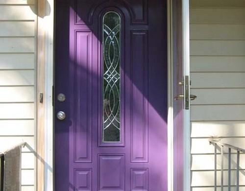 purpur-farbe-eingangstür-design