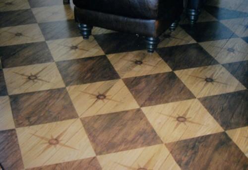 quadrate schachmattmuster fußboden holz idee design