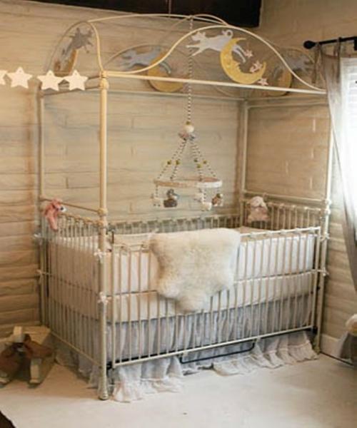 Romantisches, klassisches Kinderzimmer stern girlande