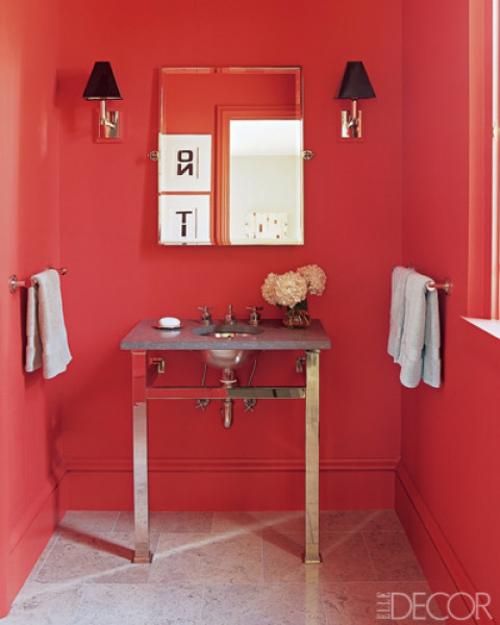 rosa wände Badezimmer Interieurs tisch waschbecken tücher schiene